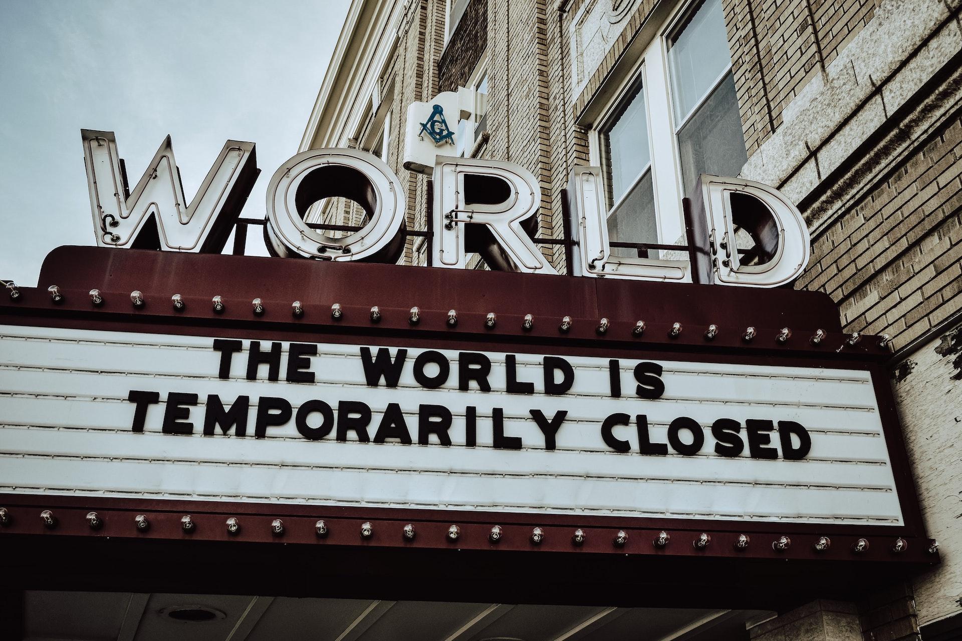 Riaperture cinema e teatri, via obbligo tampone: bozza Regioni
